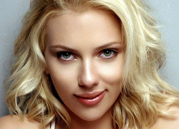 Scarlett Johansson has the most beautiful eyes.