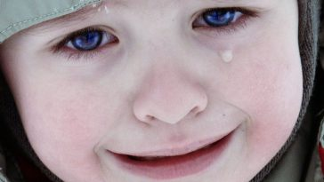 Crying Child Wallpaper