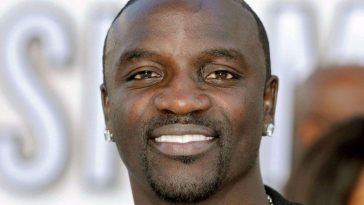 "Akon: ""I Started Feeling Guilty About Spreading My Wealth In Front Of People Who......"""