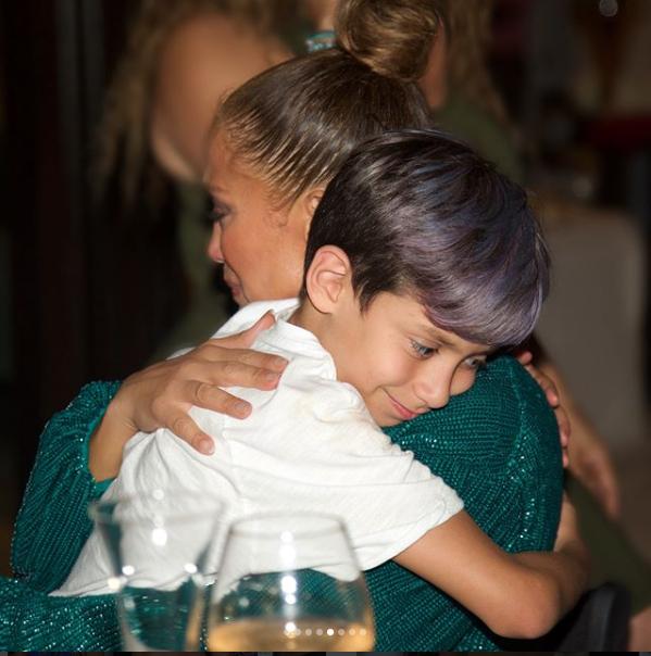 First Photos From Superstar Singer, Jennifer Lopez's